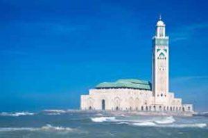 Die Moschee Hassan II. in Casablanca ist ein wunderschönes Bauwerk und eine der größten Moscheen der Welt