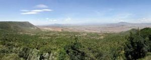 Blick über das Rift Valley zum Mount Longonot