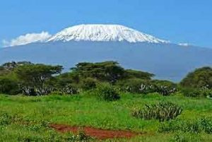 Größter Berg in Afrika: der beeindruckende Kilimandscharo in Tansania
