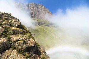 Klima im Süden von Afrika: Nebel an den Drakenbergen