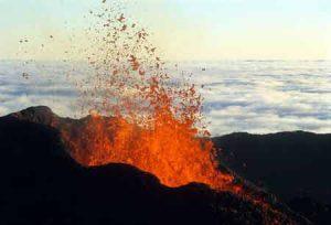 Der Vulkan Piton de la Fournaise auf La Reunion