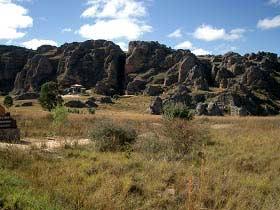 Typisch Felsenlandschaft auf Madagaskar