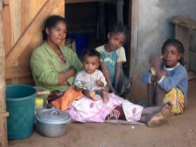 Typische Familie auf Madagaskar