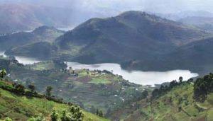 Die Virunga-Vulkane prägen das Landschaftsbild in Nord-Ruanda