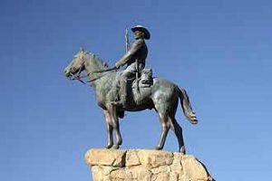 Sehenswürdigkeit: der Südwesterreiter in Windhoek