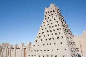 Lehmziegelbau: Teil einer Moschee in Timbuktu