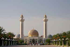 Die Bourguiba-Moschee in Monastir ist eine der Sehenswürdigkeiten
