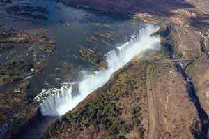 Sehenswürdigkeit in Afrika: Victoria Falls - Viktoriafälle